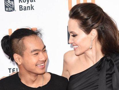 Maddox Jolie-Pitt e Angelina Jolie, em 11 de setembro, na estreia de 'First They Killed My Father' no Festival de Toronto