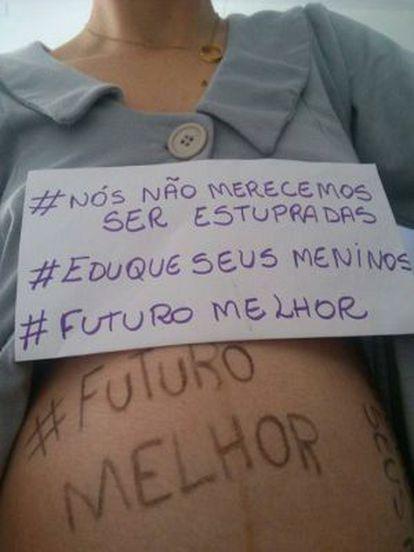 """Imagem de participante do manifesto """"Eu não mereço ser Estuprada(o)""""."""