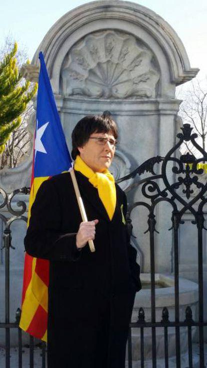 Joaquín Reis caracterizado como Puigdemont durante a gravação no Parque Europa, em Madri.
