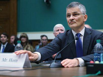 O chefe da Volkswagen nos EUA no Congresso.
