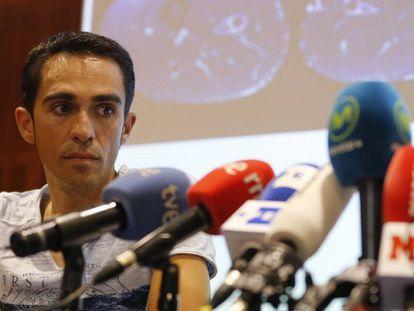 Contador, durante a coletiva de imprensa na clínica CEMTRO.