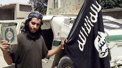 Abdelhamid Abaaoud, em uma foto divulgada em fevereiro.