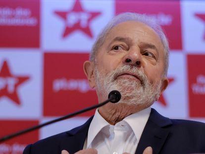 O ex-presidente Lula em entrevista coletiva em Brasília.