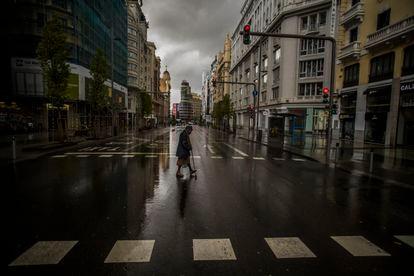 DVD 994 (23-03-20) Madrid Vacio por el coronavirus. La Gran Via. Foto Samuel Sanchez
