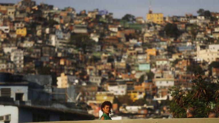 Rocinha, a maior favela do Brasil, vive dias de tensão