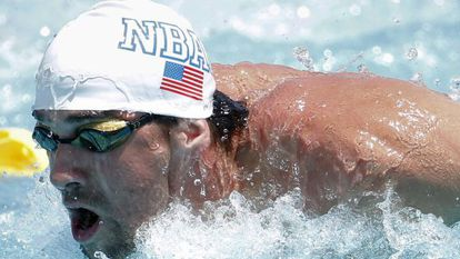 Michael Phelps durante os 100 metros borboleta no Arena Grand Prix.
