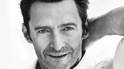 Hugh Jackman posa exclusivamente para o EL PAÍS com camisa Brioni e cinto Montblanc.