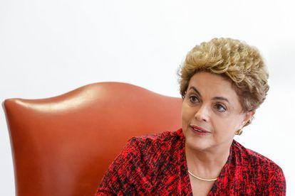 Dilma no encontro com os correspondentes.