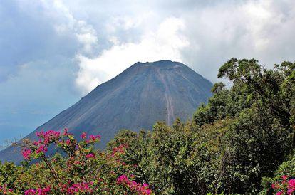 Complexo dos Vulcões e o Lago de Coatepeque em El Salvador.