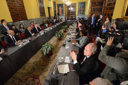 Chanceleres da América Latina e as Caraíbas mais Canadá discutem em Lima a respeito da crise venezuelana.