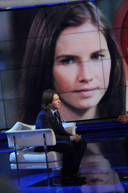 Raffaele Sollecito, que era namorado de Amanda quando ocorreu o assassinato, esteve em 2015 no programa italiano 'Porta a Porta' para falar do caso. Ele também foi preso.