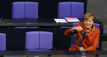 A chanceler Angela Merkel, no Bundestag.