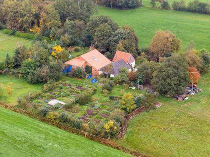 Vista da fazenda na província holandesa de Drenthe onde um pai e seus cinco filhos estavam trancados.