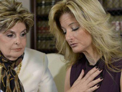 Summer Zervos (à direita), junto à advogada Glória Allred, nesta sexta-feira em Los Angeles.
