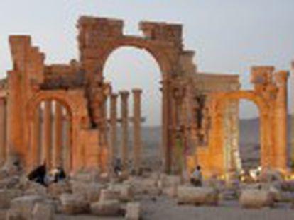 Os jihadistas dinamitaram nos últimos três meses várias joias históricas na cidade, um dos principais centros culturais do mundo