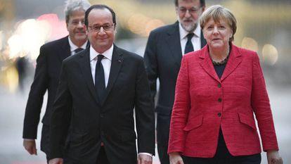 Hollande, Merkel, Gentiloni e Rajoy na reunião em Versalhes.