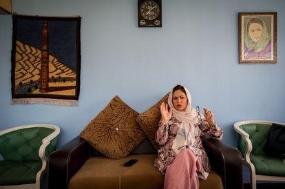 A deputada afegã e ativista de direitos humanos das mulheres afegãs Fawzia Koofi, em seu gabinete, em 12 de setembro de 2019.
