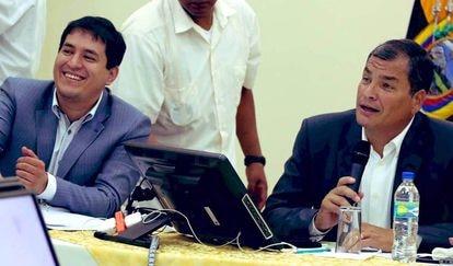 Andrés Arauz e Rafael Correa (direita), em agosto de 2020.