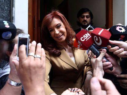 Cristina Kirchner sai de sua casa para prestar depoimento no último 31 de outubro.