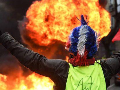 Um 'colete amarelo' durante protesto em Burdeos, em 29 de dezembro.