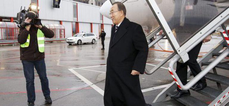 O secretário-geral da ONU, Ban Ki-moon, na chegada ao aeroporto de Genebra.