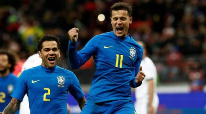Philippe Coutinho comemora gol diante da Rússia.