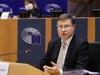El comisario de Comercio, Valdis Dombrovskis, en el Parlamento Europeo el 2 de octubre.