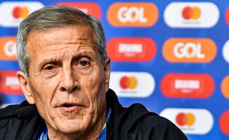 Oscar Tabárez, aos 72 anos, é o treinador da seleção uruguaia.