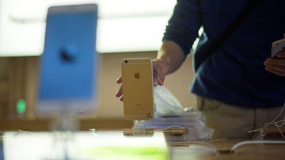 iPhone 6 no dia do lançamento