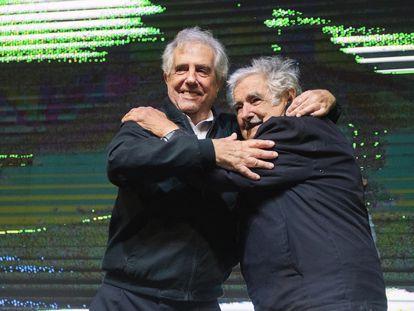 Tabaré Vázquez e Mujica em feveireiro de 2020.