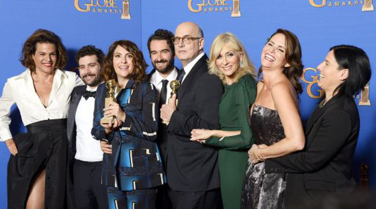 A equipe de 'Transparent', com dois Globos de Ouro.