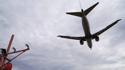 Avião Boeing 737 MAX 8 operado pela American Airlines.