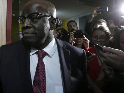 Joaquim Barbosa ao chegar à sede do PSB no dia 19 de abril