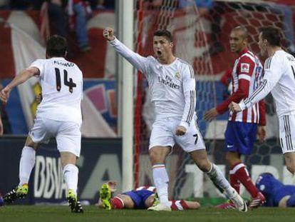 Ronaldo celebra o gol do empate