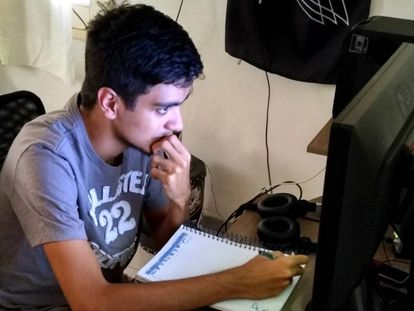 Allan Kardec Cunha passou no vestibular da UFRN estudando pela internet