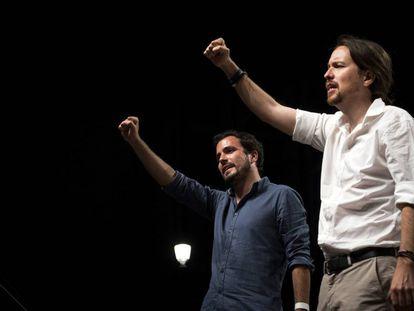 Garzón (esquerda) e Pablo Iglesias, em ato organizado por Unidos Podemos.