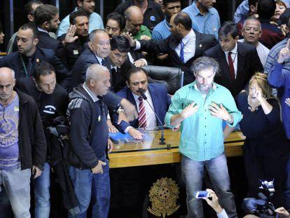 Manifestantes durante invasão da Câmara.