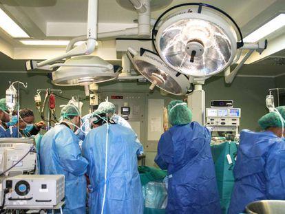 Transplante de fígado no Hospital Universitário Nuestra Señora de Candelaria, Ilhas Canárias.