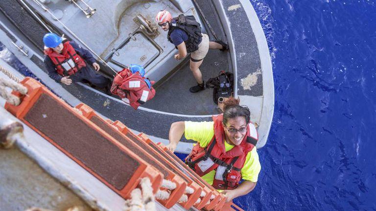 Tasha Fuiaba, uma das velejadoras perdidas no Pacífico