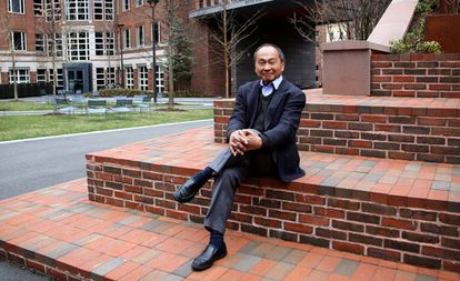 O cientista político estadunidense Francis Fukuyama, quarta-feira passada, no campus da Universidade de Harvard.