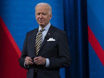 O presidente dos Estados Unidos, Joe Biden, no Pabst Theatre, em Milwaukee (Wisconsin), na última terça-feira, durante encontro televisivo com cidadãos organizado pela rede CNN.