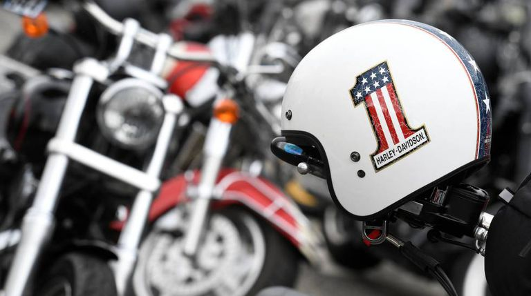 Concentração de fanáticos das Harley-Davidson.