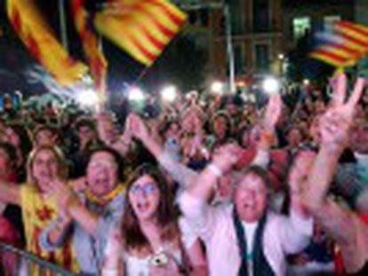 Coligação Junts pel Si obtém maioria no Parlamento, mas não o apoio em número total de votos para a independência da Catalunha