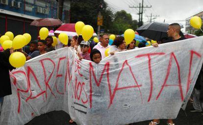 Protesto em 2019 de moradores do Complexo do Alemão contra a morte da menina Ágatha Félix, 8 anos, durante uma operação policial.