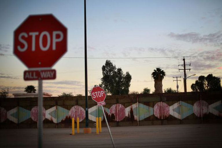 Fronteira de México com EUA em Calexico, Califórnia.