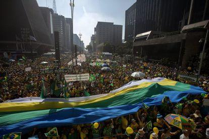 Manifestação do dia 12 na Av. Paulista.
