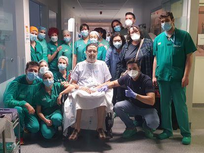 Paciente fechou os olhos sem saber que tinha coronavírus; 57 dias depois, estava curado