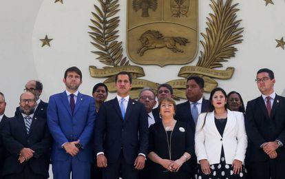 Michelle Bachelet com Juan Guaidó durante sua visita à Assembleia Nacional da Venezuela.