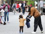 Niños en una calle de Madrid el pasado domingo.