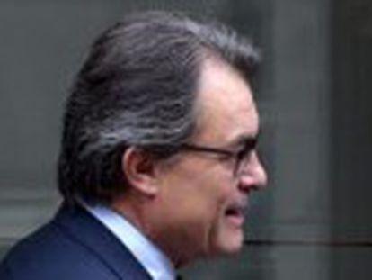 Governo Catalão ainda ameaça processar Madri após a Justiça da Espanha tentar barrar a consulta popular prevista para o domingo
